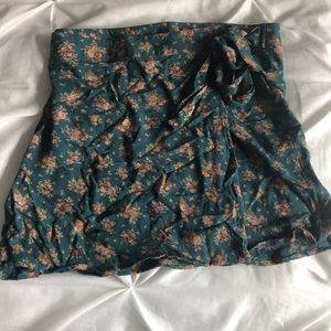 American eagle wrap skirt size small
